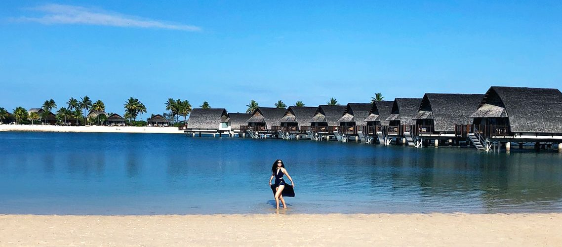 Fiji holiday hotel lagoon